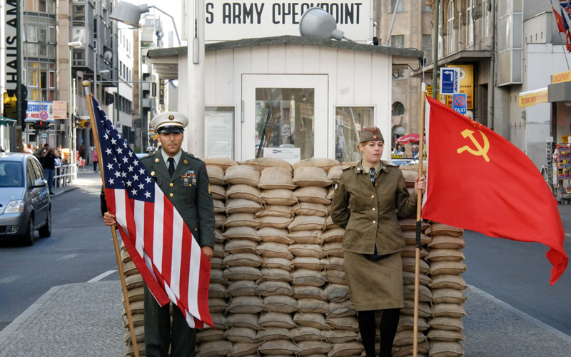 Checkpoint-Charlie-Berlin